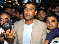 Vice captain Younis Khan at Karachi airport
