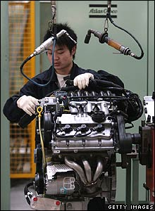 Nanjing Auto worker with MG engine