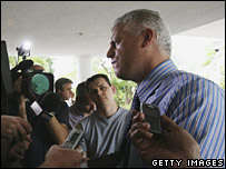 Mark Shields talks to journalists on 27 March 2007