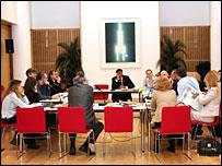 Участники дискуссии в британском посольстве 27 марта 2007 года