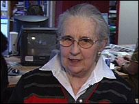Viewer Heulwen Egerton