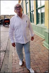 Gabriel García Márquez en las calles de Colombia.