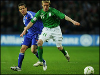 Damien Duff (right) battles with Maros Klimpl at Croke Park