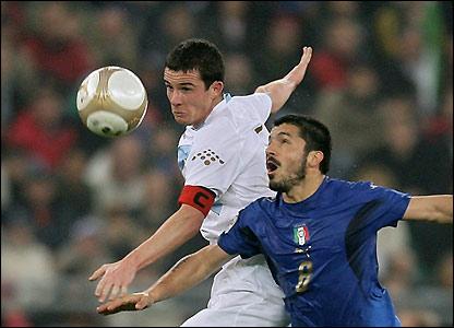 Barry Ferguson challenges Gennaro Gattuso