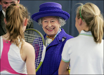 Queen Elizabeth II talks to young tennis players