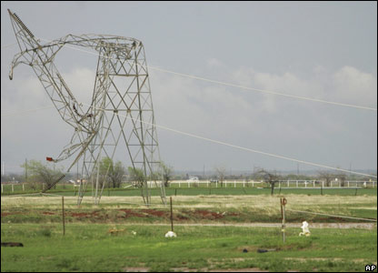 Tornado damage in Oklahoma, 29 March