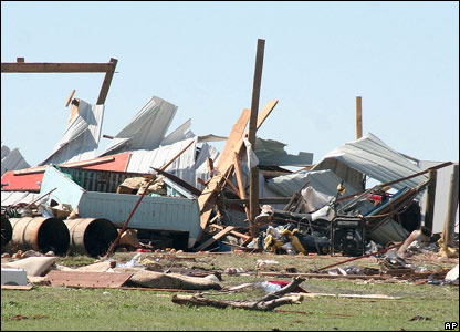 Tornado damage in Elmwood, Oklahoma, 29 March