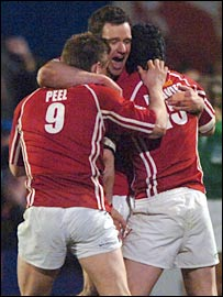 Scarlets celebrate knocking champions Munster out of Europe