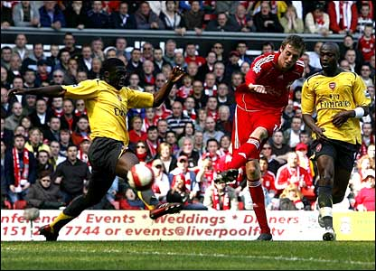 Peter Crouch scores Liverpool's fourth goal