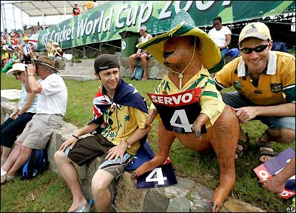 Australia fans try to keep themselves amused