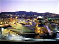 Imagen nocturna del museo Guggenheim