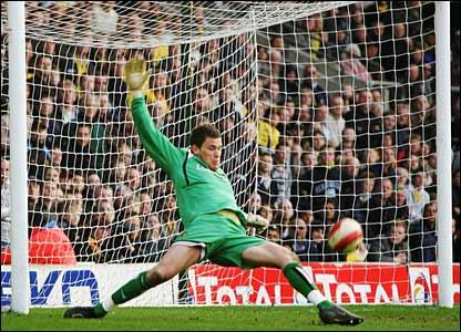 Watford keeper Ben Foster denies Didier Drogba