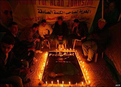 Palestinian journalists at a candle-light vigil for Alan Johnston on 30 March 2007