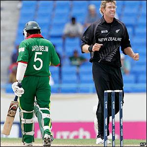 Oram enjoys his second wicket