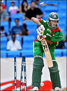Saqibul Hasan loses his bails in spectacular fashion