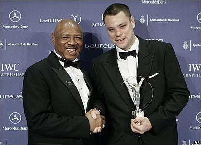 Marvin Hagler meets Britain's Luke Dowdney - winner of the Sport for Good award after founding a boxing project in Rio de Janeiro