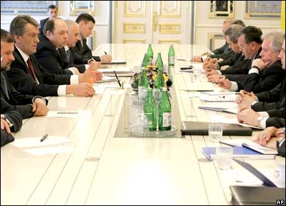 President Yushchenko meets security and law enforcement officials in Kiev.