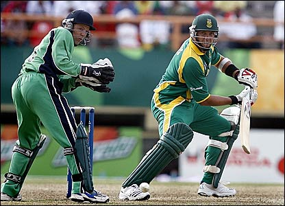 South Africa's Jacques Kallis (right) guides the ball down to third man