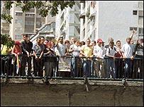 Oficialistas en Puente Llaguno en abril de 2002.(Foto: El  Nacional)