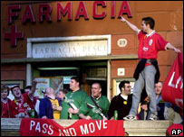 Liverpool fans in Rome