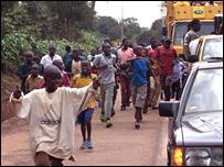 Kids follow festival truck