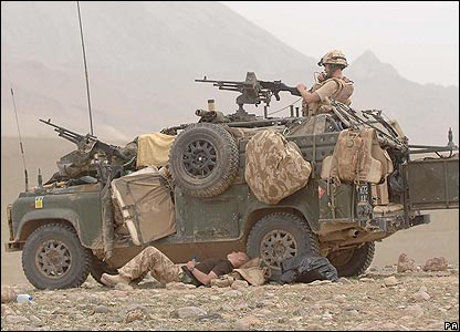 Royal Marines and a Land Rover of 42 Commando