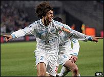 El argentino Renato Civelli se transform� en goleador por un d�a.