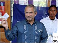 Mr Ramos-Horta casts his vote