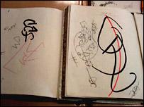 Graffiti escrito en cuadernos escolares