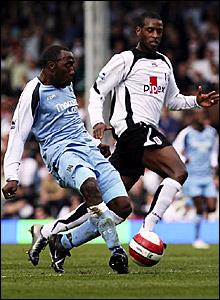 Darius Vassell (left) scores Manchester City's third goal