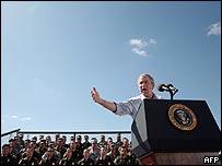 Presidente de EE.UU., George W. Bush, en Yuma