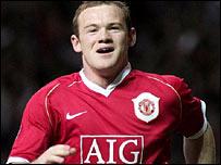Wayne Rooney celebra el tercer gol del encuentro Manchester-Roma