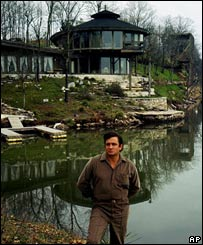The late country music legend Johnny Cash poses at his house on Old Hickory Lake near Hendersonville, Tennessee, on 19 April 1969.