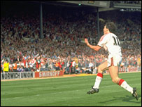 Hughes celebrates scoring in the 1990 FA Cup final