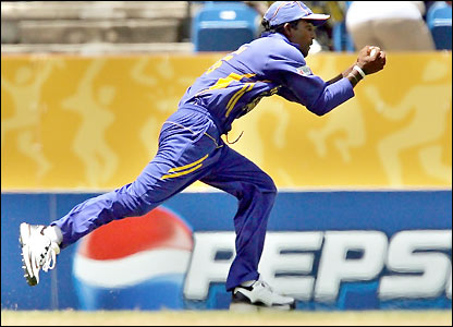 Chamara Silva takes a catch
