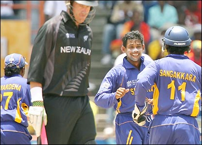 Tillakaratne Dilshan after Jacob Oram is removed