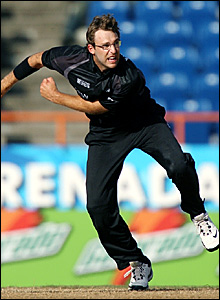 New Zealand's Daniel Vettori bowls against Sri Lanka