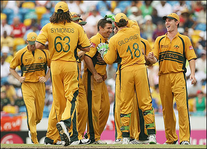Hogg is congratulated by his Australian team-mates