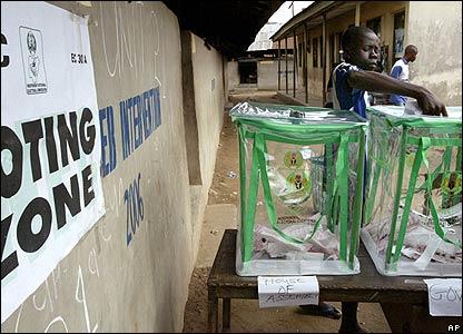 Man votes in Lagos