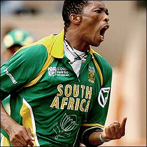 Makhaya Ntini celebrates removing Fulton