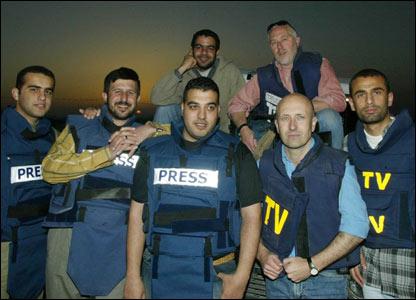 Johnston y sus colegas en Gaza