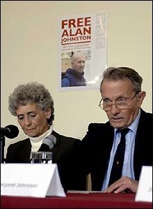 Los padres de Alan Johnston