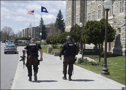 Police at Virginia Tech shootings
