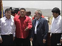Los mandatarios de Paraguay, Venezuela, Brasil y Bolivia a su llegada a la Isla Margarita.