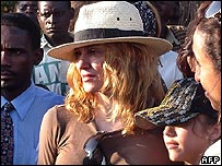 Madonna with her daughter Lourdes in Malawi