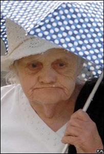 Dorothy Evans arrives at court