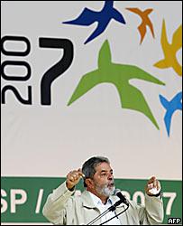 El presidente brasile�o Lula da Silva da un discurso en el marco de los prreparativos para los Juegos Panamericanso 2007.
