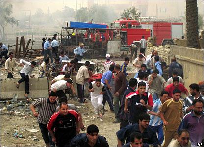 Crowd flees Sadr bomb site