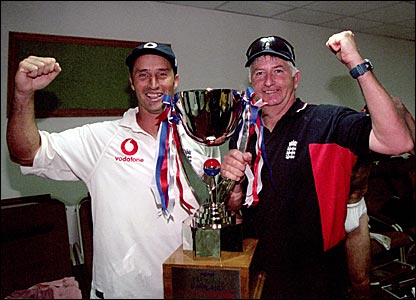 England captain Nasser Hussain and coach Duncan Fletcher celebrate a 2-1 series win in Pakistan
