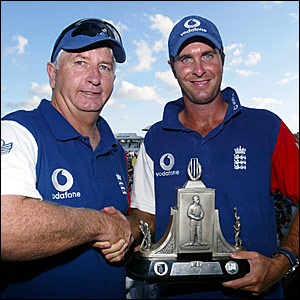 Duncan Fletcher (left) and Michael Vaughan with the Wisden Trophy after beating the West Indies